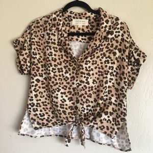Cloth and Stone Anthropologie Leopard shirt sz XS